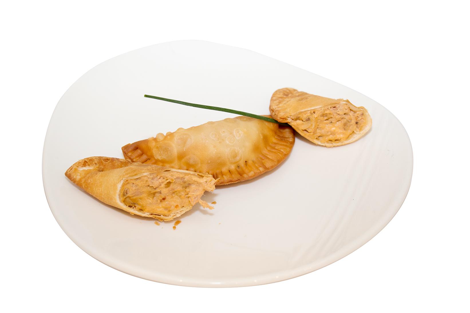 Empanadillas de atún con queso cremoso de tomate