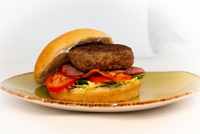 hamburguesa con salsa -1